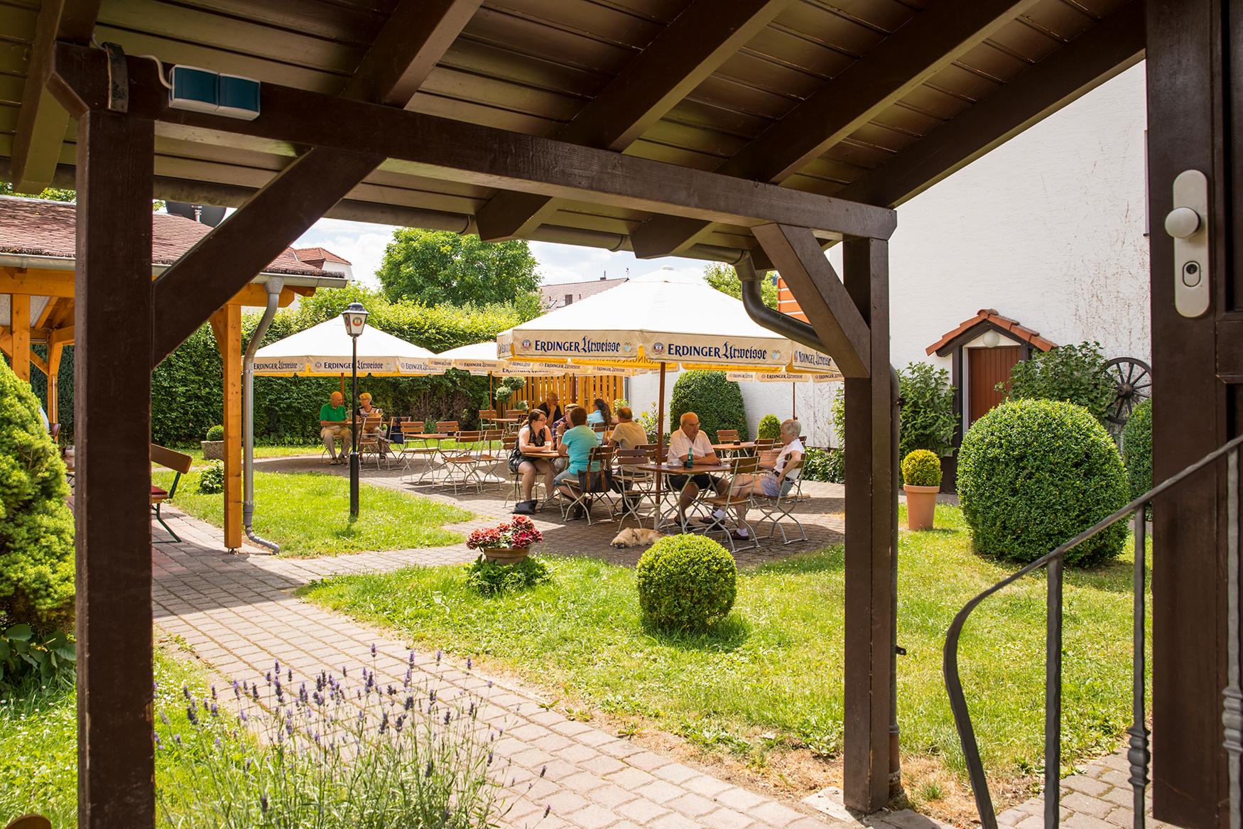 Biergarten für Gäste aus Fritzlar und Umgebung im Restaurant Zimmermanns